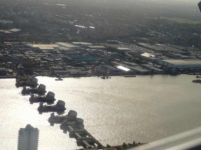 PA234478 Taking-off-from-LondonCityAirport Thames-barrier