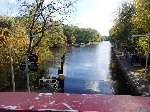 PA244491 Landwehr-canal-near-Berlin-zoo
