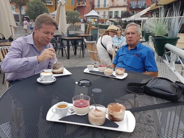 JoPhoto Kees&Ken-in-Villefranche-sur-Mer-cafe